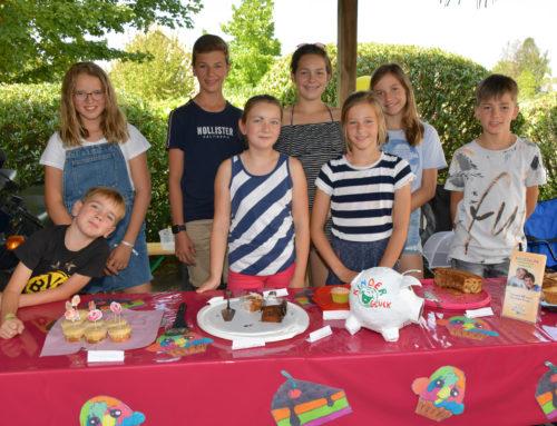 Kinder helfen Kindern – Kuchenverkauf unterstützt den Kinderglück e.V.